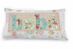 Almofada para Bebê em Patchwork Bordada a Mão