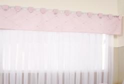 Cortina para Quarto de Bebê com Bandô Rosa e Voil Branco